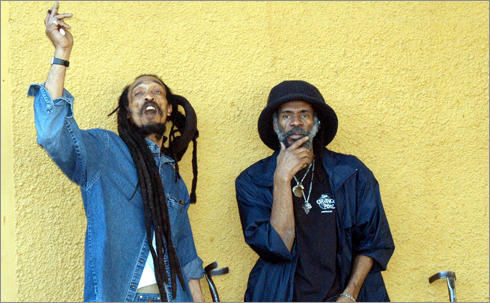 News reggae : Israel Vibration en tournée pour l'album ''Play It Real''