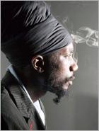 News reggae : Sizzla r�pond � ses d�tracteurs