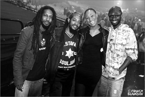 53. Rootz Underground & Diana Rutherford (Mars 2011 - Zenith Paris)