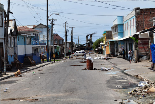 07. West Kingston pendant l'�tat d'urgence en 2010.