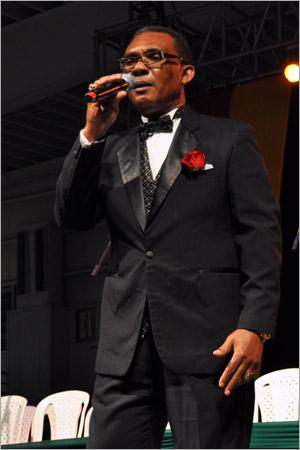 08. Ken Boothe (Gregory Isaacs Funeral / Novembre 2010)