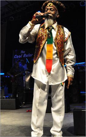 09. Bunny Wailer (Gregory Isaacs Funeral / Novembre 2010)