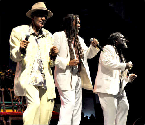 12. The Tamlins (Gregory Isaacs Funeral / Novembre 2010)