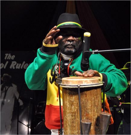 14. Bongo Herman (Gregory Isaacs Funeral / Novembre 2010)