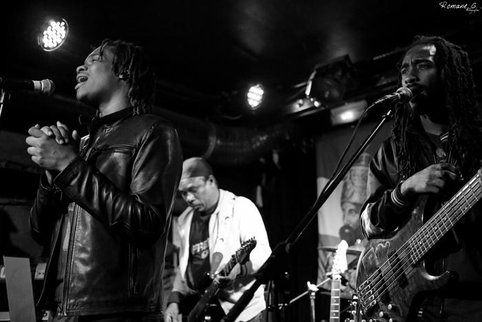 05. Kumar Bent, Courtland White, Delroy Hamilton - Raging Fyah (La Marquise / Lyon 2015)
