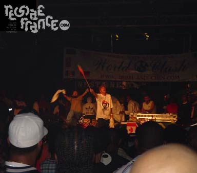 One love in action (World Clash 2004)